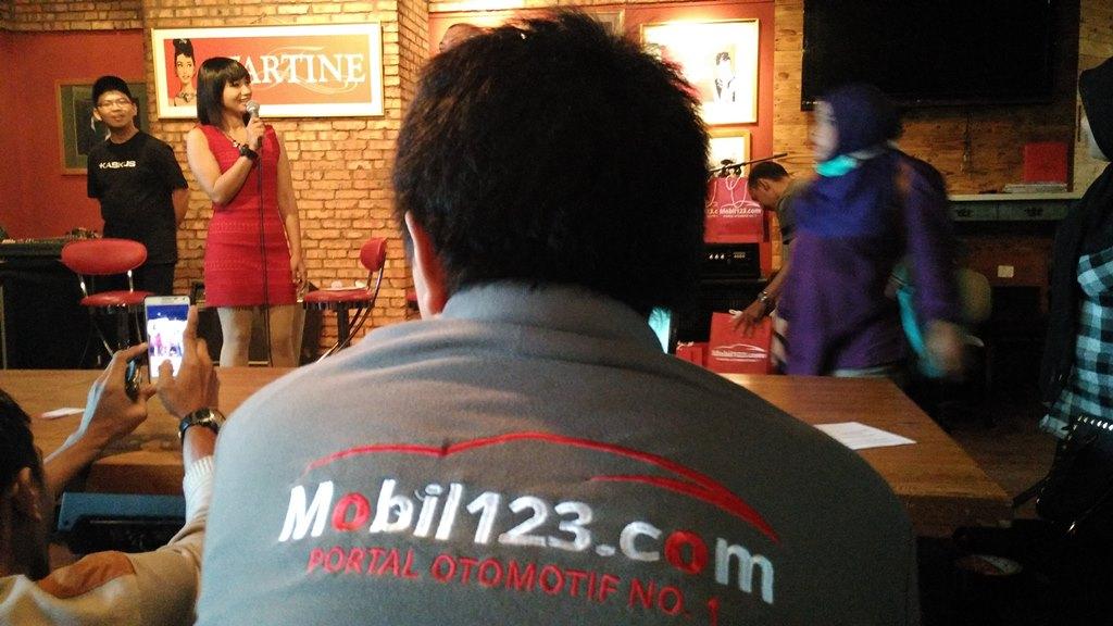 uasana saat berbagi pengalaman dengan situs otomotif Mobil123.com (foto: Sitti Rabiah)