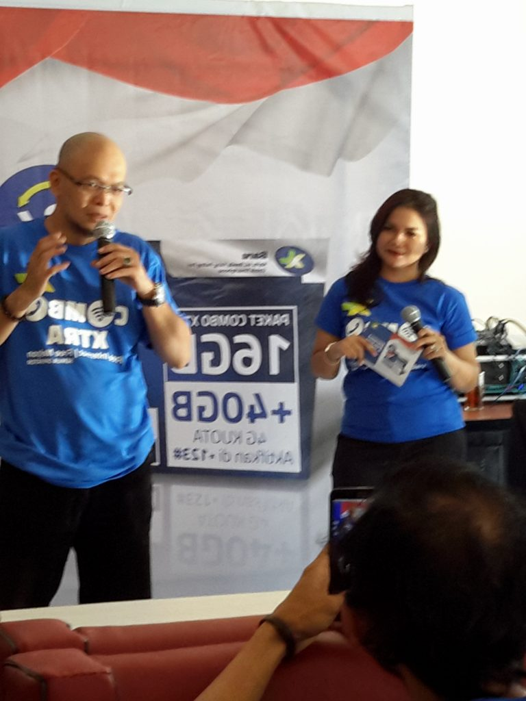 Petinggi XL sedang memperkenalksn program baru XL, Combo Xtra Merdeka (foto : Sitti Rabiah)
