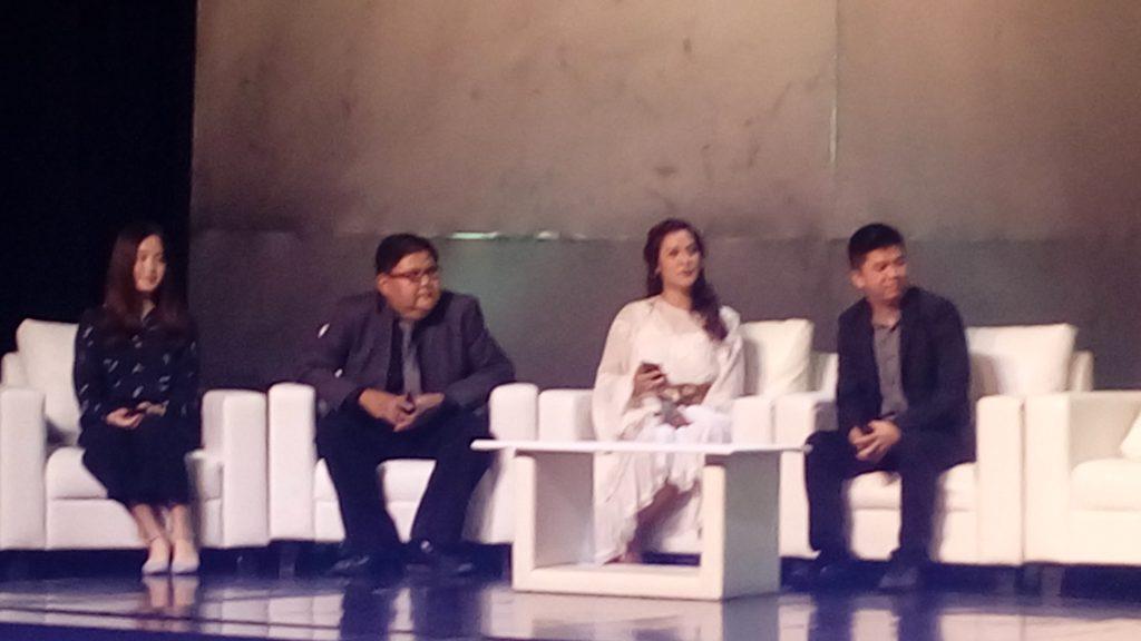Raisa saat sesi tanya jawab peluncuran Oppo seri F1s Black (foto Bunda Sitti Rabiah)