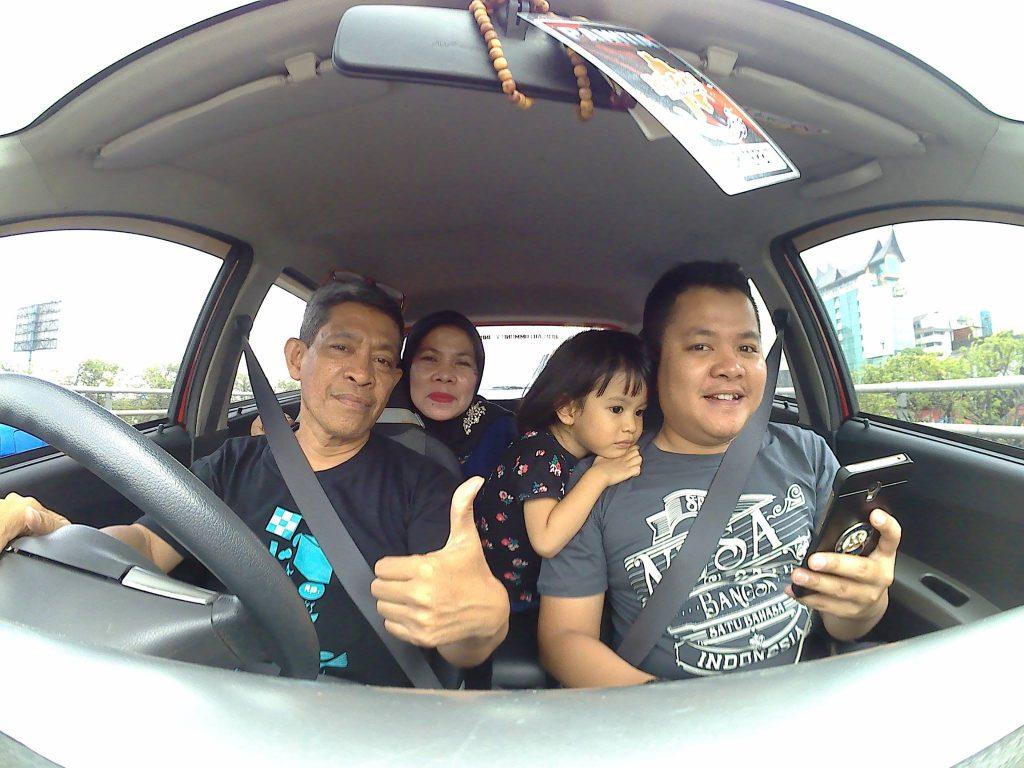 Inilah keluarga kecil kami: suami, anak dan cucu (foto dok pribadi)