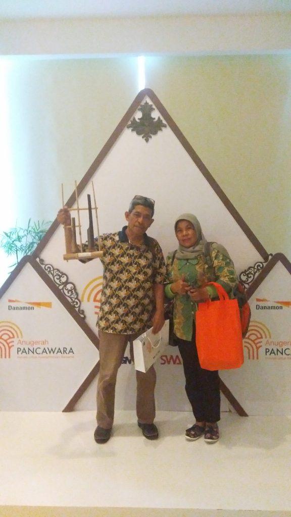 Masih sempat narsis di sela acara Anugerah Pancawara di Kementerian Perdagangan Jakarta (foto Nur Terbit)