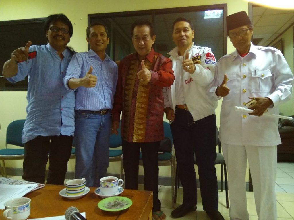 Anggota Forum Peranannya Masyarakat Perfilman (FPMP), dari kiri ke kanan: Kusumo Priyono, Sony, Anwar Fuadi, Rully Sofian -- foto: istimewa.