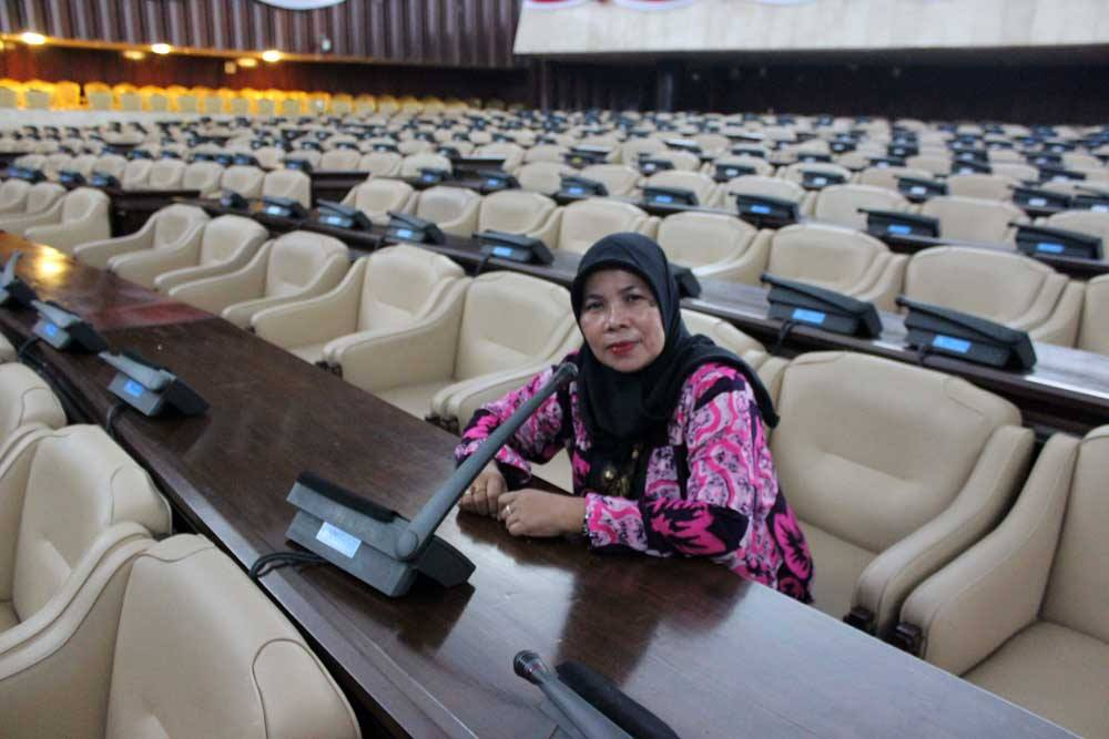 Narsis di ruang rapat paripurna gedung DPR RI Senayan Jakarta dalam satu kunjungan (foto Rahab Ganendra)