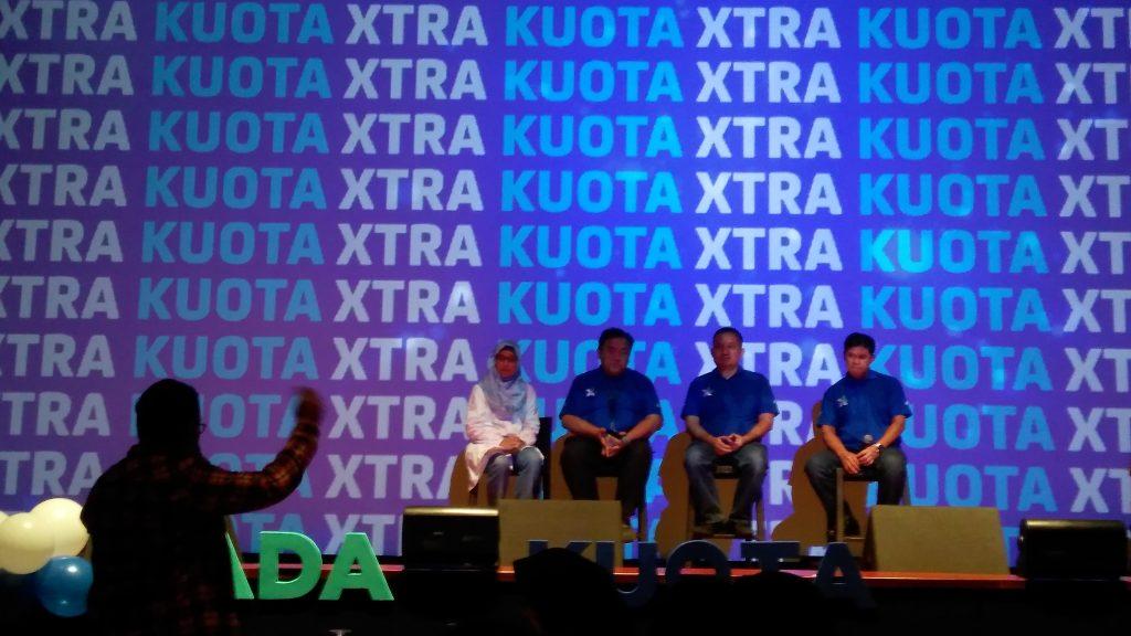 Saat peluncuran produk baru XL (foto : Bunda Sitti Rabiah)