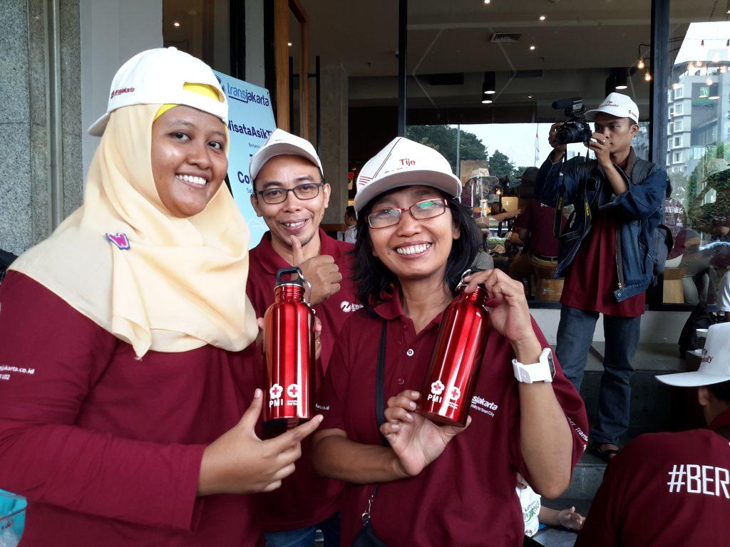 Hadiah souvenir bagi blogger yang beruntung (foto : Sitti Rabiah)